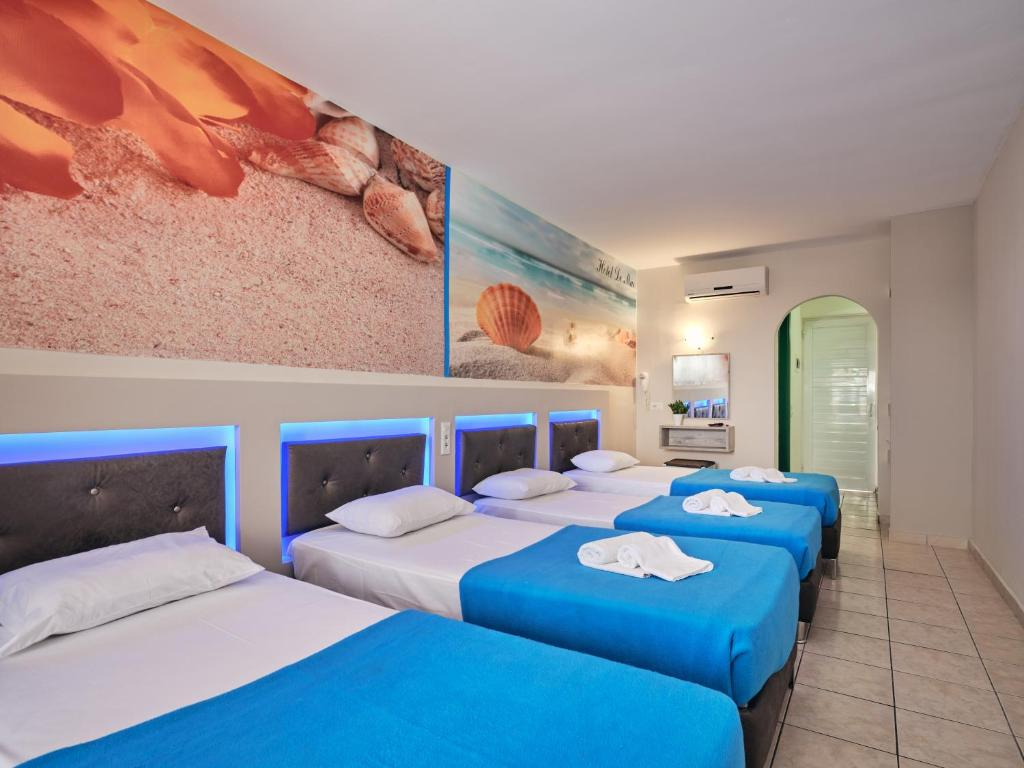 savvas hotel quad 5