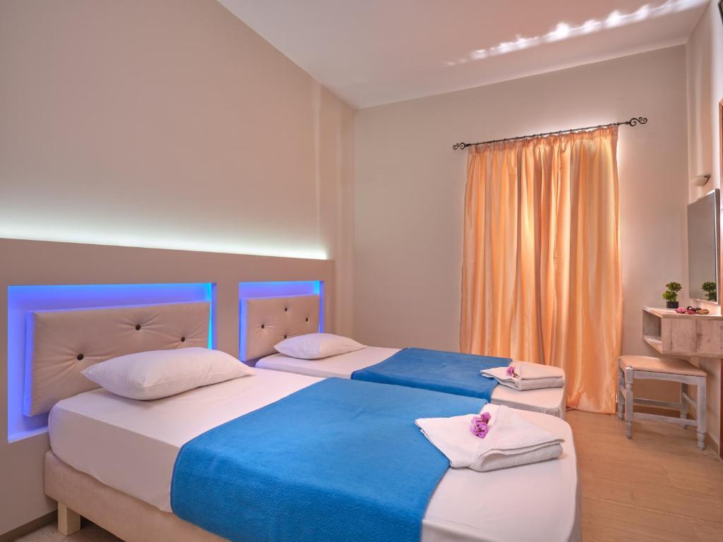 savvas hotel twin 1